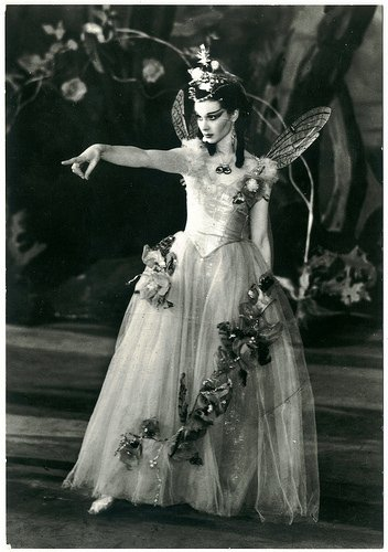 Vivien Leigh as the world's most beautiful Titania, 1937 #Shakespeare400 https://t.co/psWWybyXDP