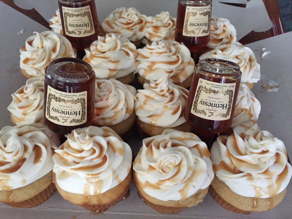 Zin On Twitter Quot Hennessy Cupcakes With Vanilla Whipped