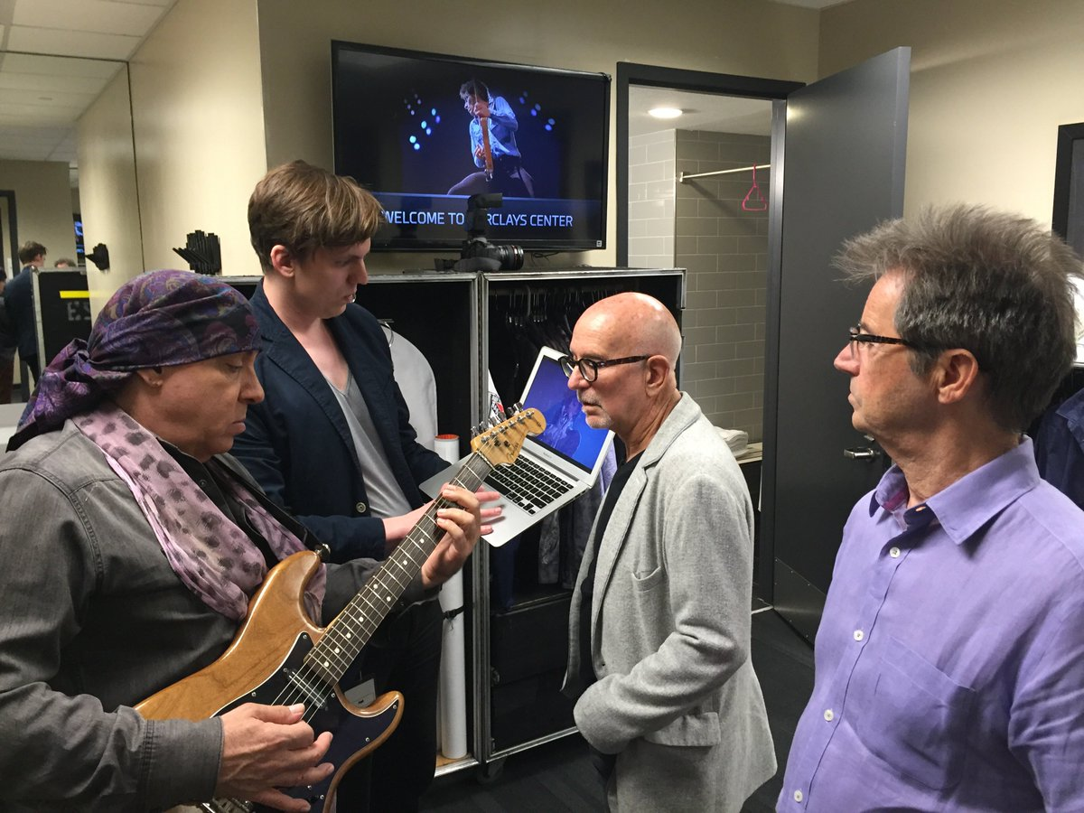 @stevievanzandt @gwtallent & the Professor backstage before the show working on Purple Rain https://t.co/RJeUWjzbNl