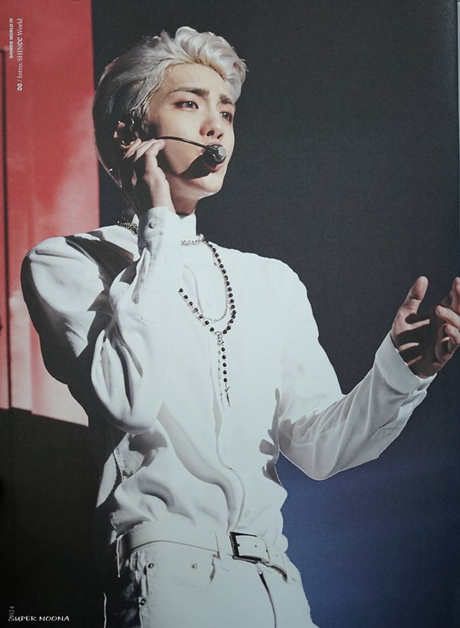 160421 SHINee @ Photobook SHINee World Concert IV CgxaBv4UYAA36et