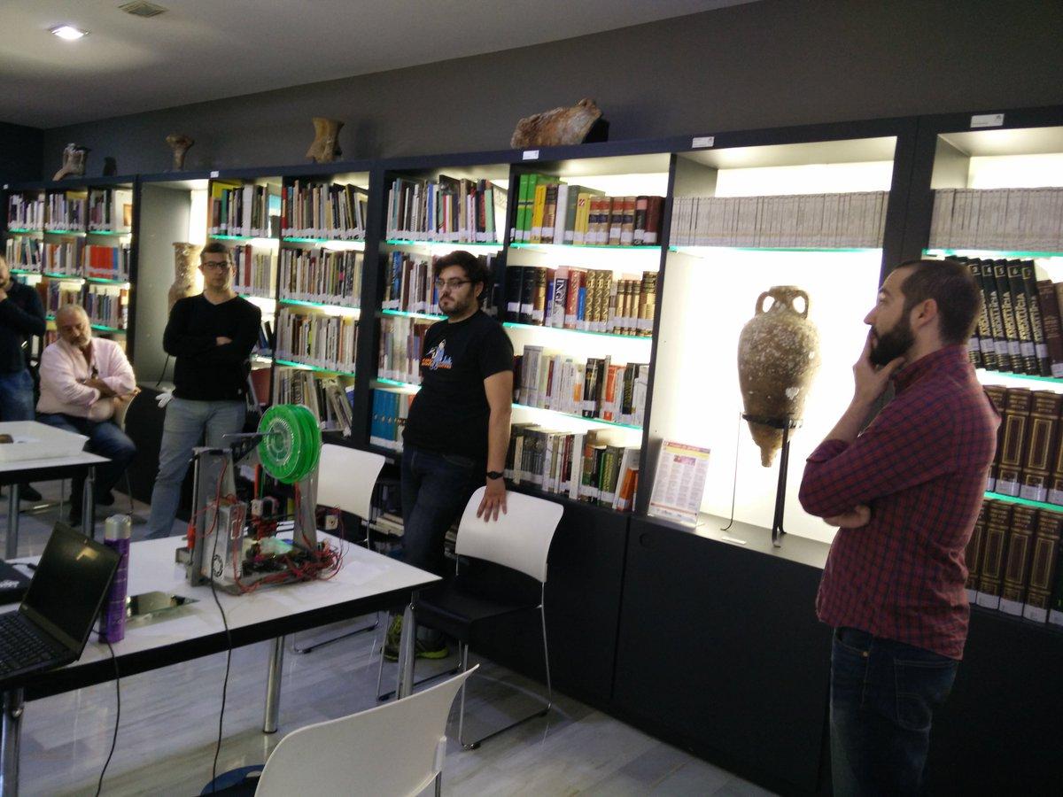 Discutiendo las técnicas de fotogrametría para digitalizar https://t.co/npzo8RuiRZ