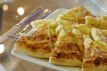 Хачапури с сыром из слоеного теста способ приготовления