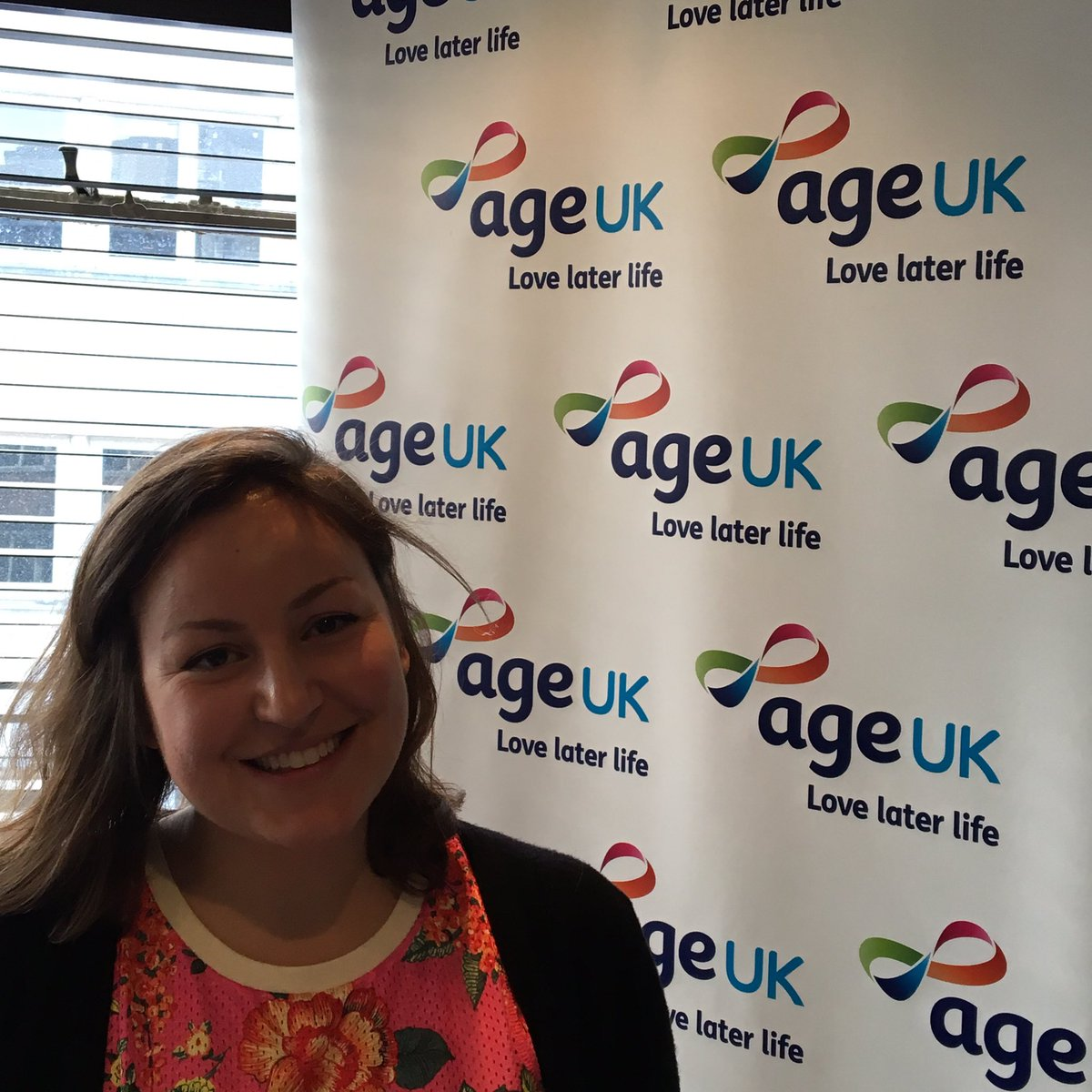 "Lizzy is running the #LondonMarathon for Age UK today because ""I don't want anyone to be lonely in later life."" https://t.co/jLgxLxy3Pk"