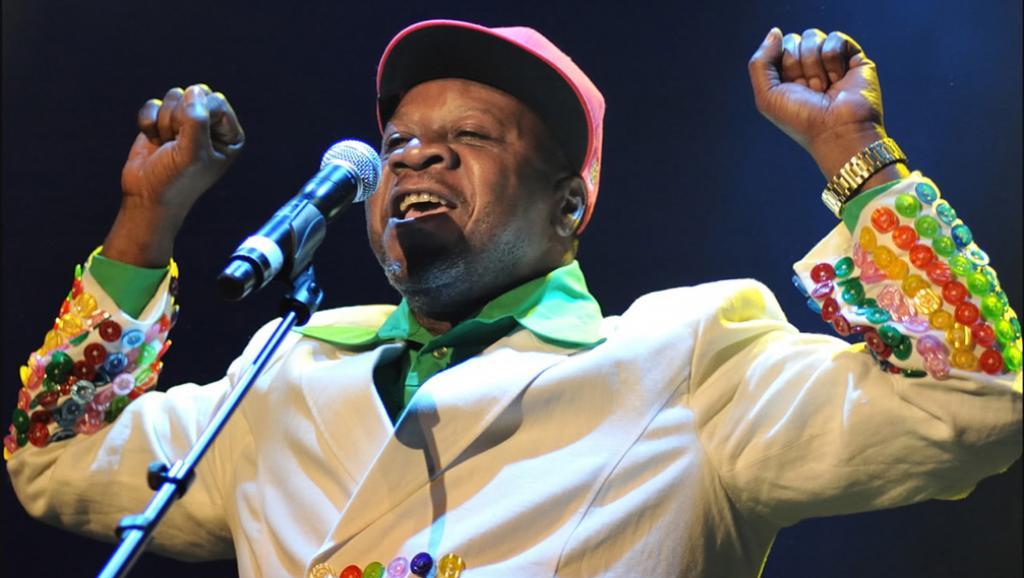 Disparition de Papa Wemba, emblème de la musique africaine https://t.co/7qiFrR59hz