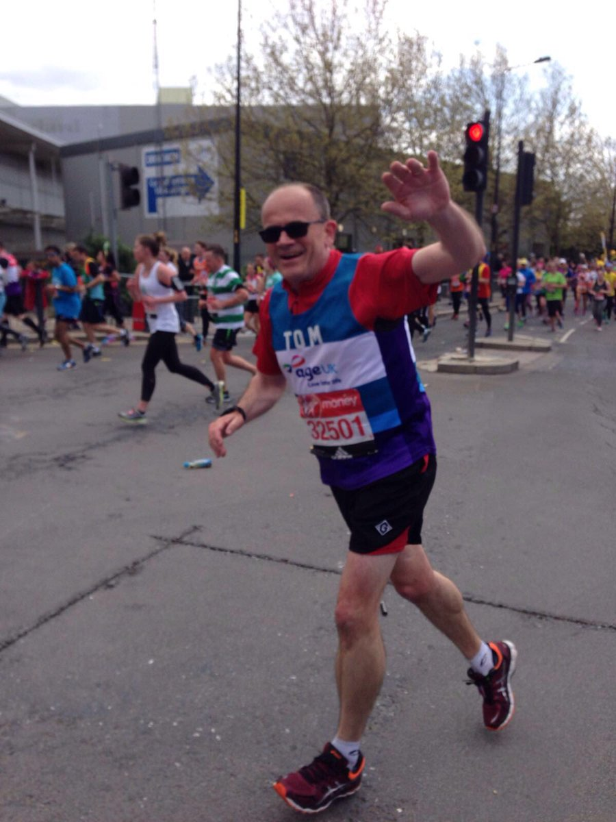 Our CEO @tomwrightuk is out on the course - go on Tom!! #LondonMarathon https://t.co/3OS2GVmhVh