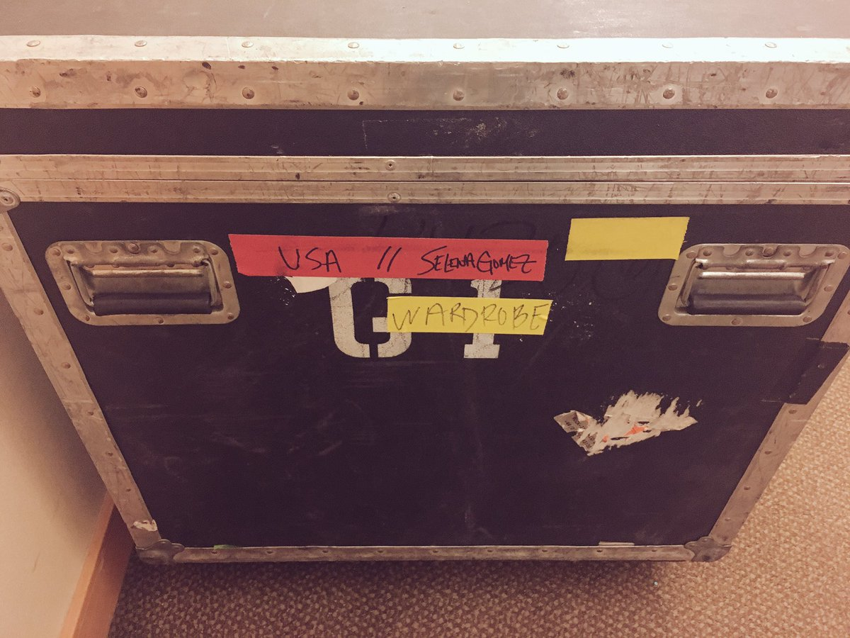 Any guesses?? #REVIVALtour @SelenaFanClub https://t.co/1H6woc7Pfg