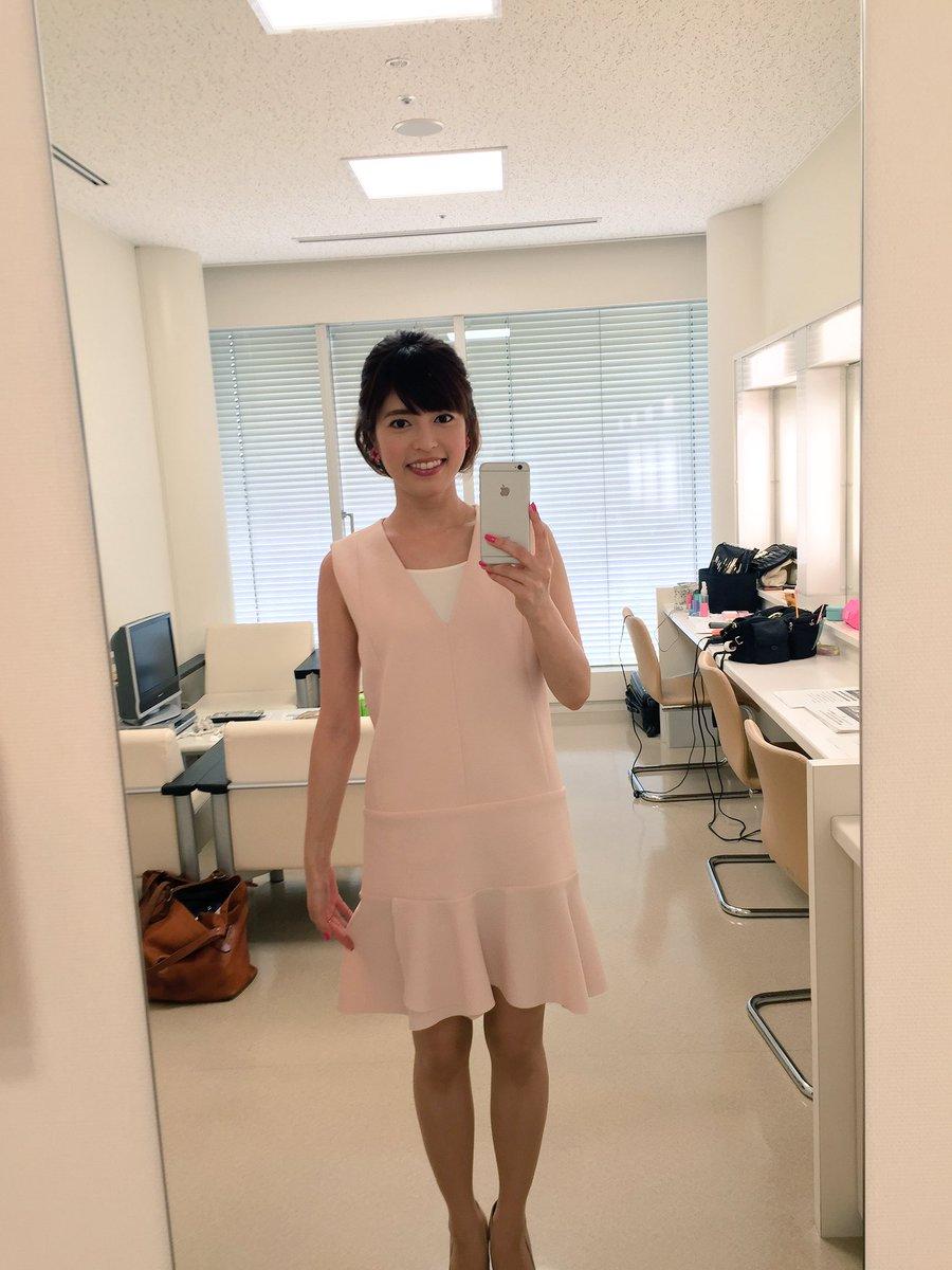柔らかいピンク色のワンピースを着ている神田愛花アナの画像