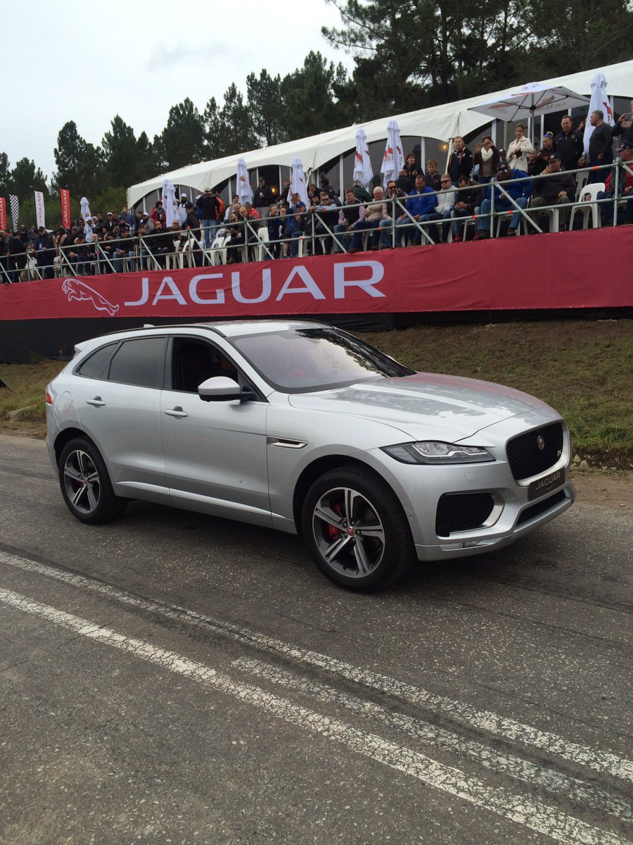 .@jaguarsa unveils their first SUV, the F-Pace at the #JaguarSHC https://t.co/oOV7soZPlY