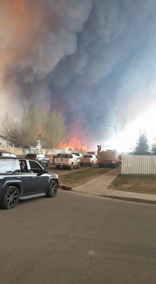 #ymmfire Officials says a convoy of fire evacuees will attempt to head south today (4,000 carloads) https://t.co/7wQFTVmsDp