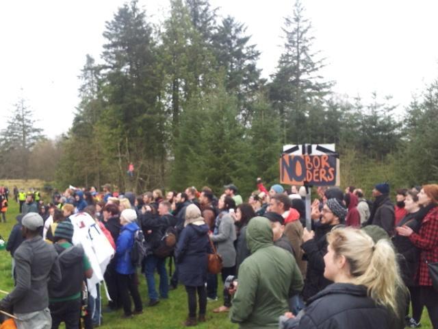 Hundreds at #dungavel #noborders #enddetention https://t.co/ASOyQD1P7X