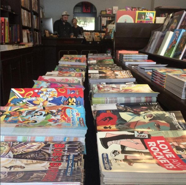 Oh Look at All The Free Comics! @Freecomicbook Come on by the shop and gorge yourself. https://t.co/zOBUPb5grF