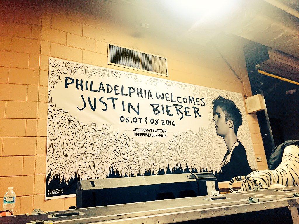 Welcome to #Philly @justinbieber! #PurposeTourPhilly #PurposeWorldTour https://t.co/fWePIxzYJa