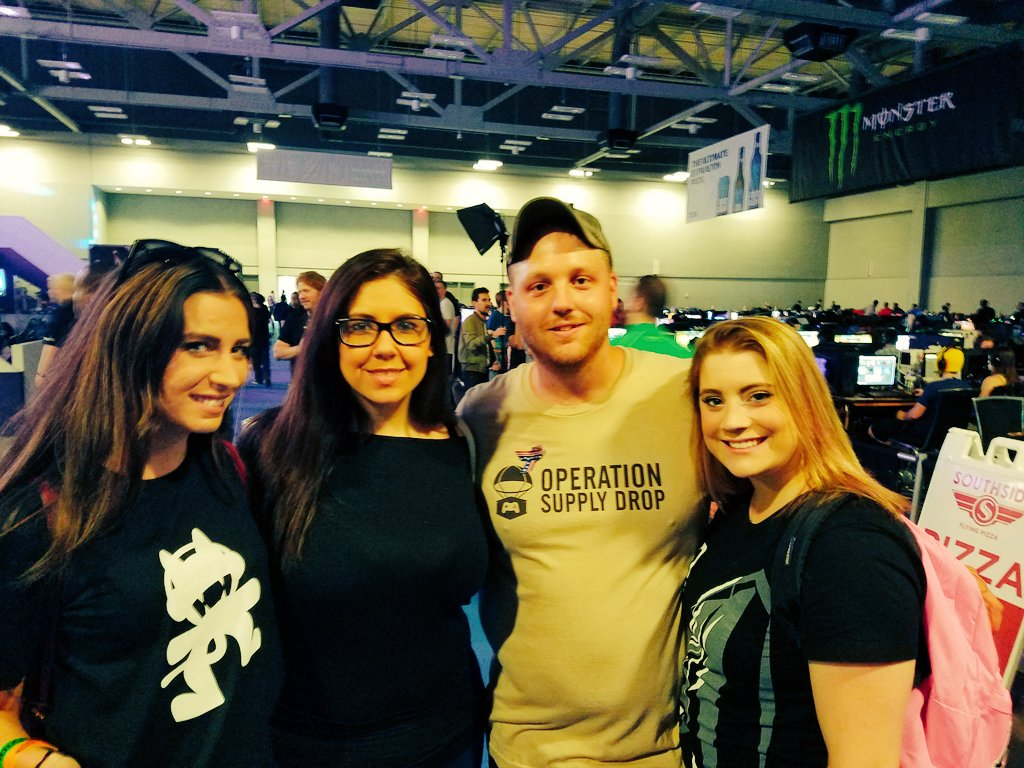 #teamnvidia at #DHATX16 dreamhack with @OpSupplyDrop @giddingssteven @tacolady324 @Nolliewog @PinkSmurph https://t.co/yKqB4mlvMd