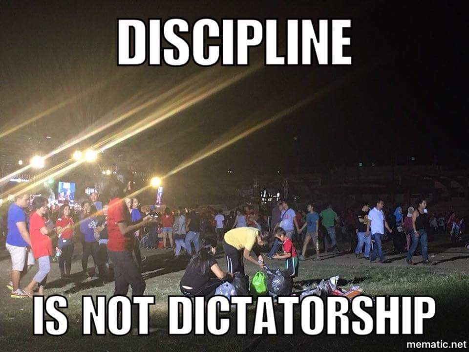 Saw this meme. I like this. Everyone cleaned up at Luneta last night. https://t.co/zvpPTQDf93