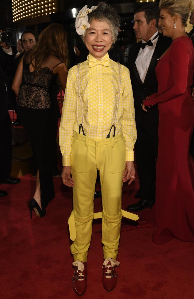 I'm voting for @LeeLinChinSBS for Best Dressed at #Logies2016 . #channellingBigBird https://t.co/sL2qaZyyCr