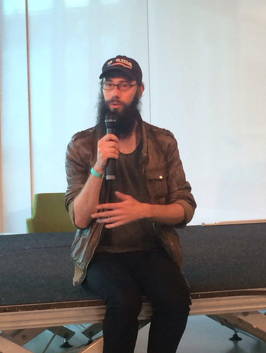 Arne Vogelgesang zeigt bei #tn16 verstörende Videodokumente der Online-Radikalisierung. Am 18.5. auch bei uns! https://t.co/aBHG4bIVqS