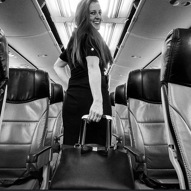 Love me a good #selfie #RT #charmingcrew #cabincrew #crewlifestyle #beautifulcabincrew #gorgeous #airhostess #fligh…pic.twitter.com/TMidnvEPNm