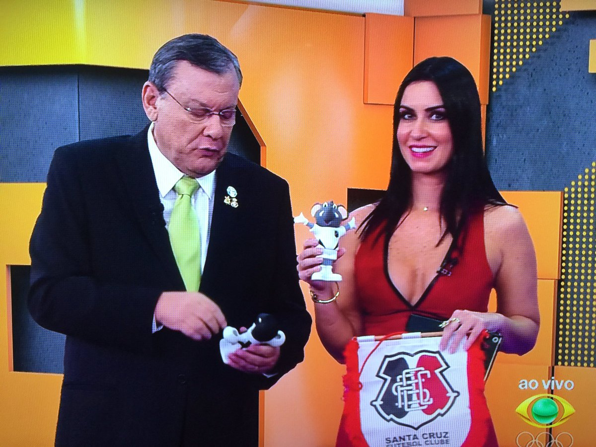 """Terceiro Tempo: Milton Neves On Twitter: """"A Larissa Erthal Chegou No"""