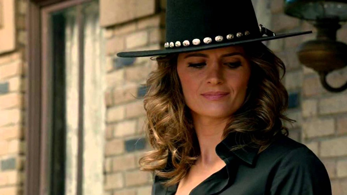 She's EXTRAORDINARY in any era. #HappyBirthdayStanaKatic https://t.co/Jh5B8YOuX5