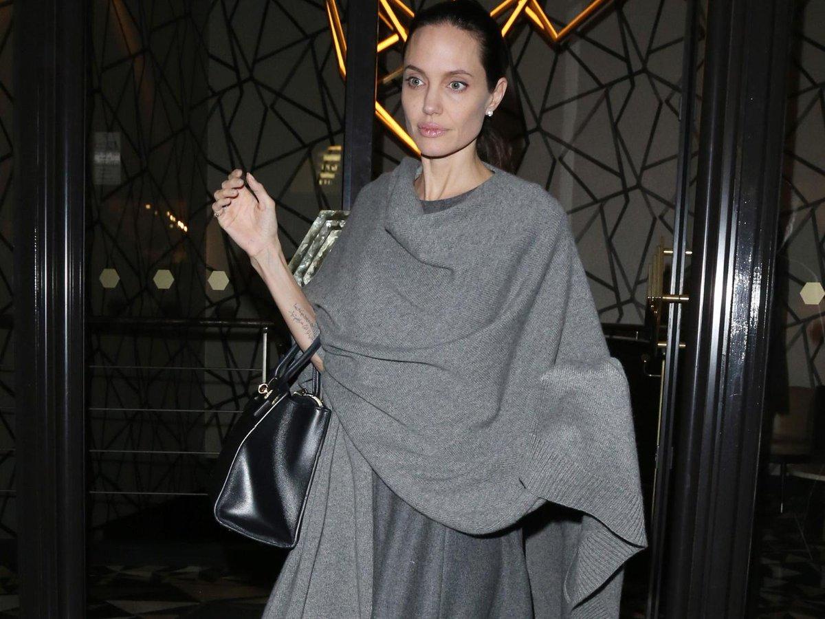 Elodie frégé topless, angelina jolie plus maigre que jamais, loana... le  meilleur de ... - scoopnest.com