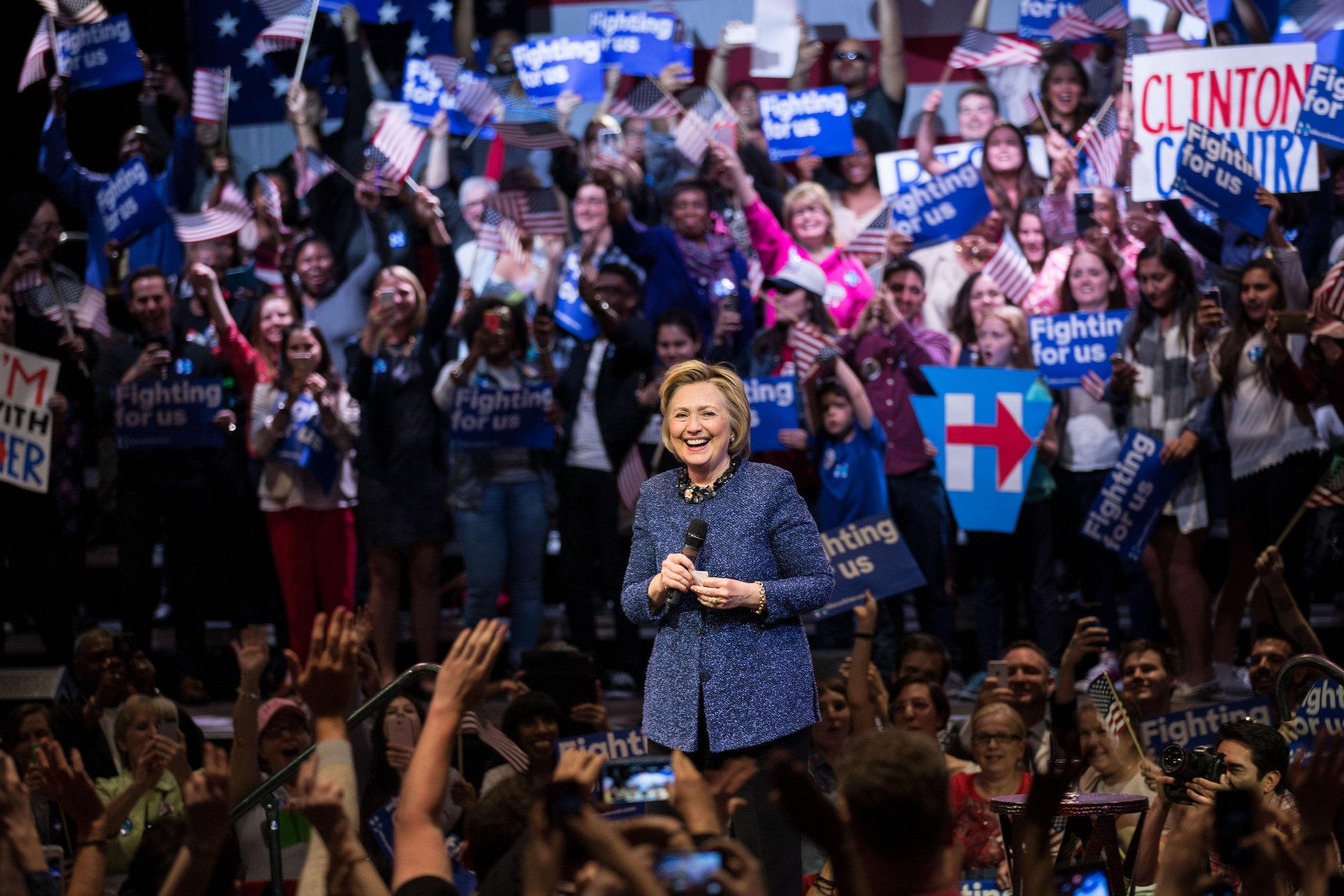 RT @HillaryClinton: Vote by vote, state by state, this team is building something special. Thanks for believing. -H https://t.co/GQoxEQ36Ew