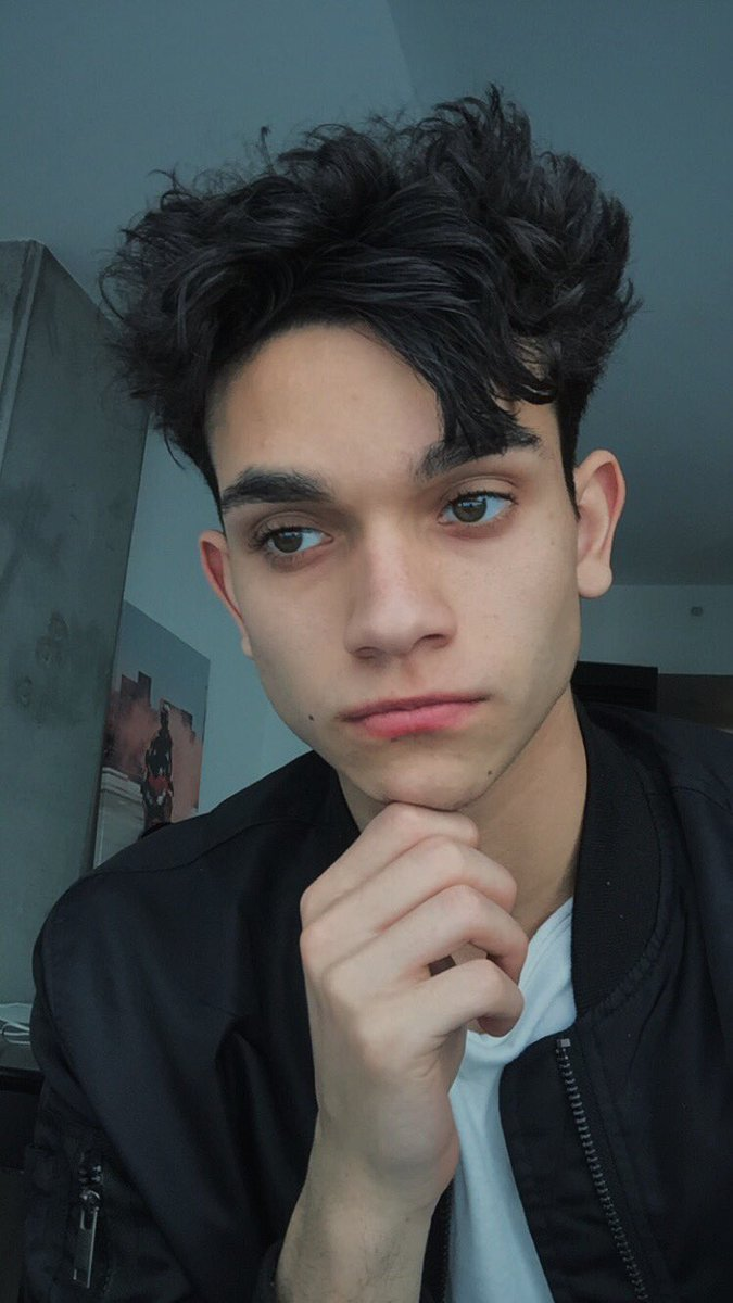 how tall is marcus dobre