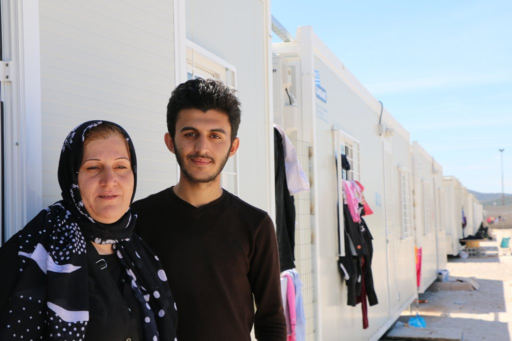 These are Saba Fawiz & her son Ibrahim, from Iraq. They're among the 2,000 people now staying in Skaramagas, #Gree… https://t.co/P752Hg25tV