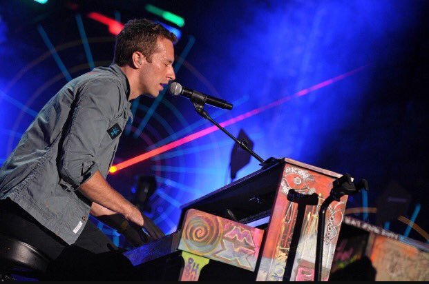 Oh cripes, we're opening for @coldplay 's Chris Martin @foxoakland to benefit @UCSFBenioffOAK on Saturday! https://t.co/7igZMezfKS