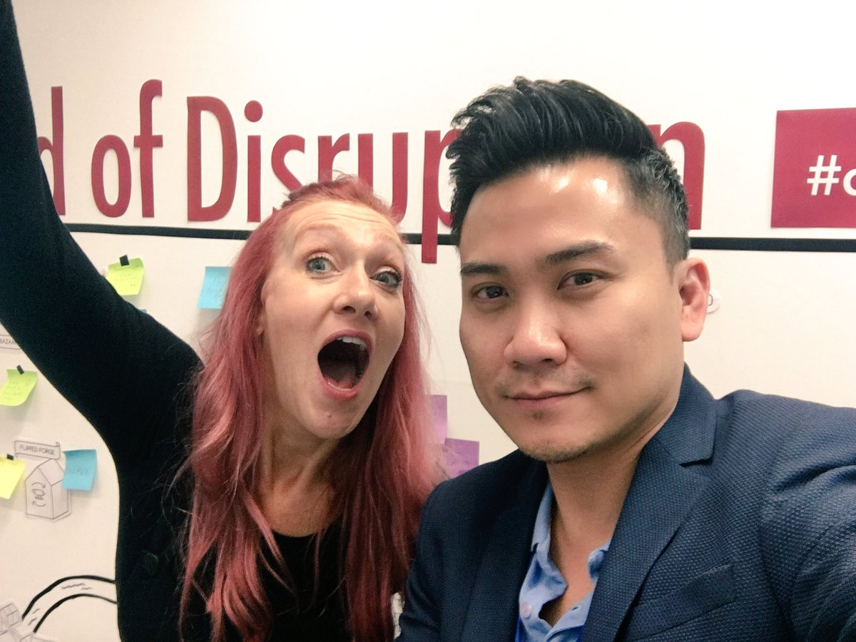 Woo hoo well done @disrupt_learn #dmllexpo #inspired but exhausted A selfie for #GChangers #Gamification @heloukee https://t.co/MOOeGYVhGC