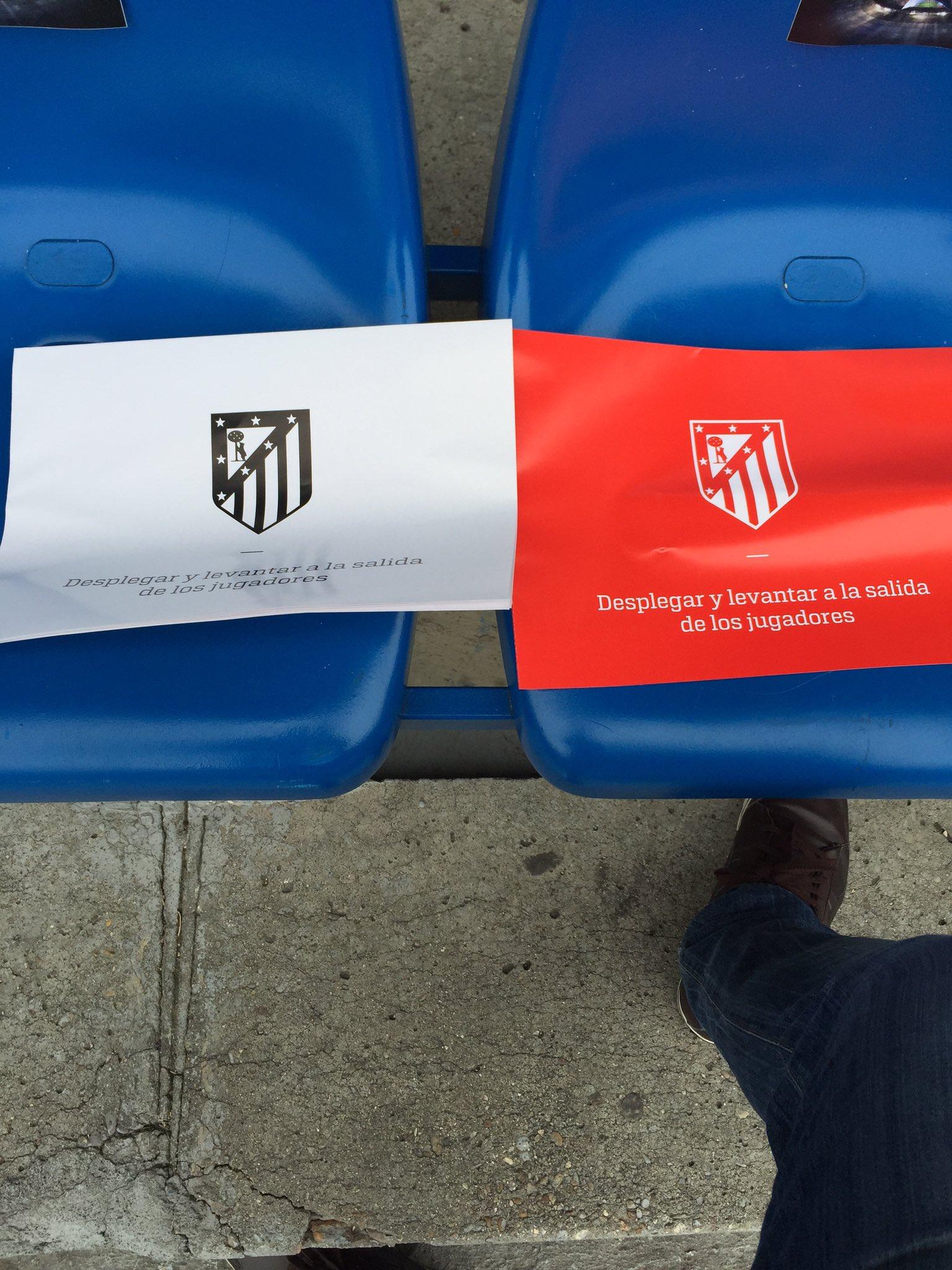 Te Amo. Яркие трибуны Висенте Кальдерон перед матчем Атлетико - Бавария - изображение 3