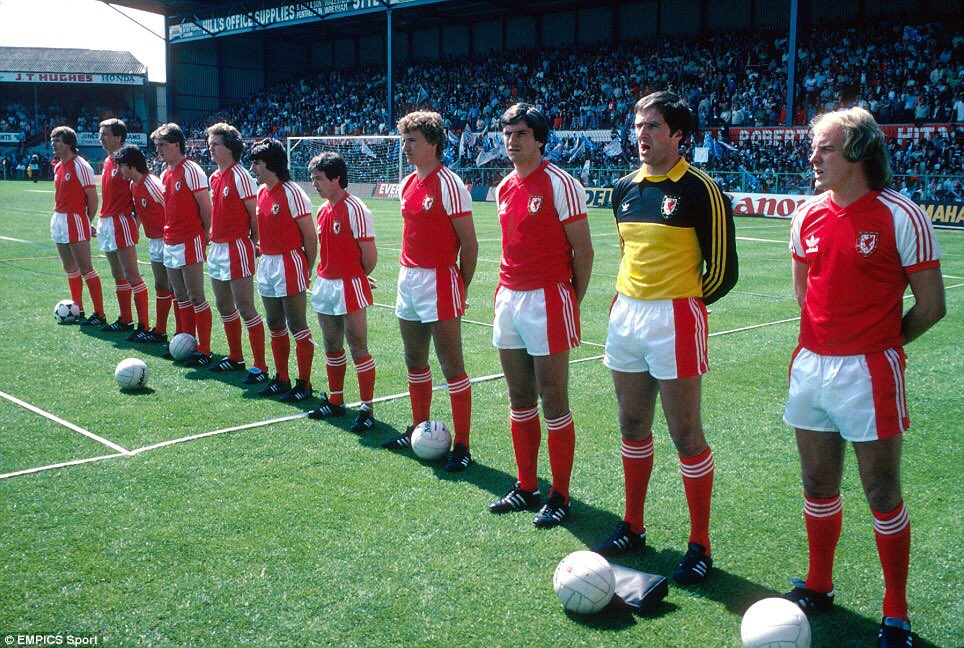 80s soccer shorts