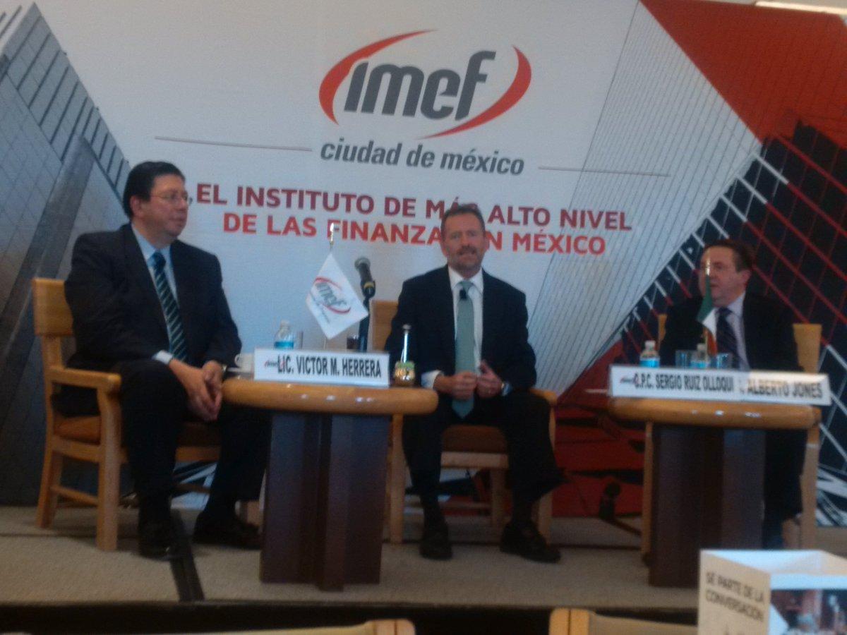 Alberto Jones y Víctor Herrera. Directores Generales de Moodys y S&P y ambos socios de @IMEFOficial en panel. https://t.co/7DLaXXnp8l