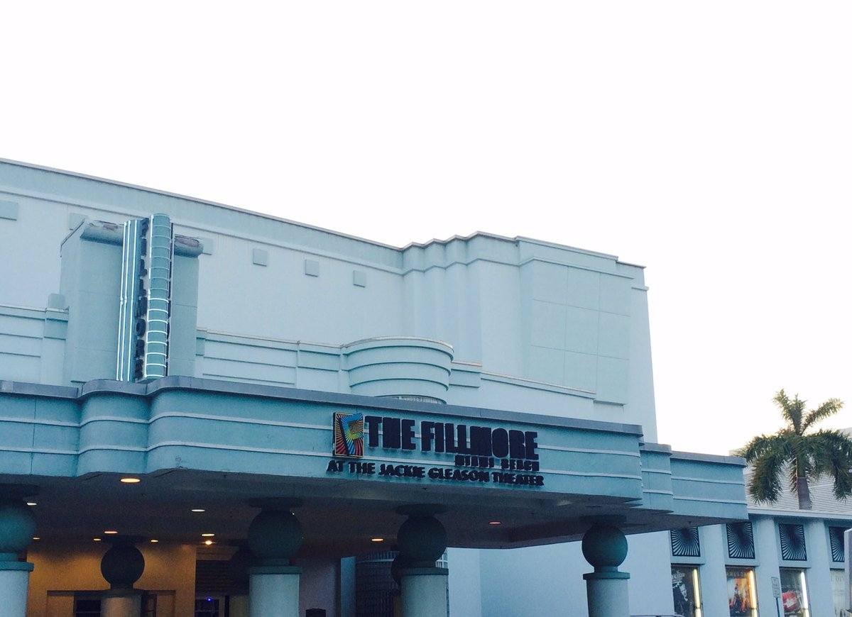 Getting ready for @GdZOficial at the @FillmoreMB tonight! #BBEnVivo <br>http://pic.twitter.com/6h6q6ahtwd – à The Fillmore Miami Beach at The Jackie Gleason Theater