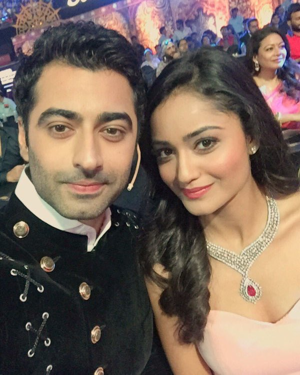 Adarsh ,Harshad Arora,Swadheenta,Dahleez,Star Plus,Star Parivaar Awards 2016,images,picture,pic,Tridha Chohdury