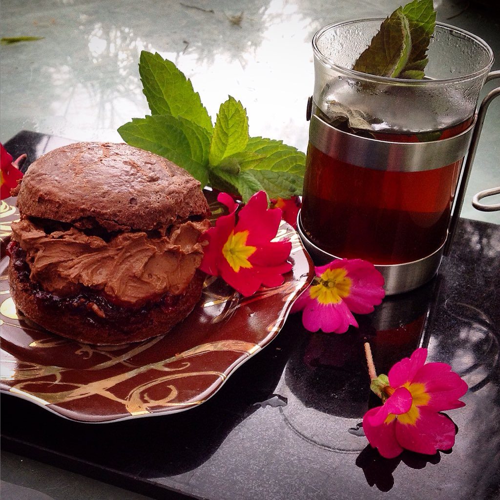 Come along to @foodiesfestival #Brighton this weekend and learn how to make my heavenly Chocolate Cream Tea https://t.co/ib1DeY2eif