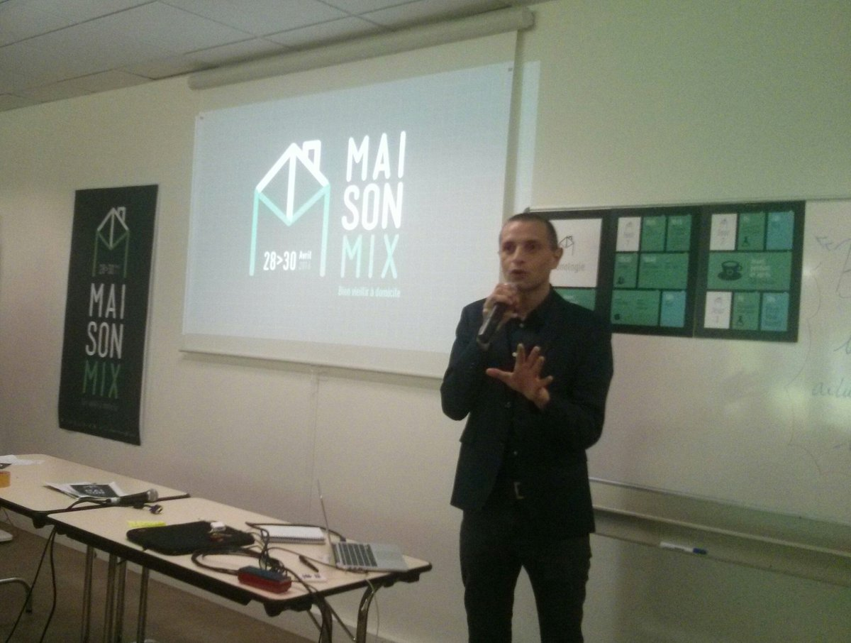 Introduction de #maisonmix par Naufalle @assobug https://t.co/oEGLt1BKwz