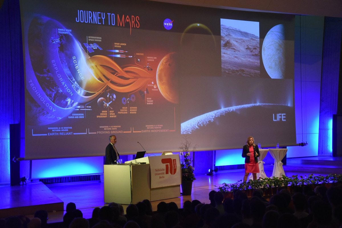 Exciting: @EllenStofan talking about @NASA_Technology 's #JourneyToMars at #TUBerlin. 1300 students listening. https://t.co/l2zXvUuiV6