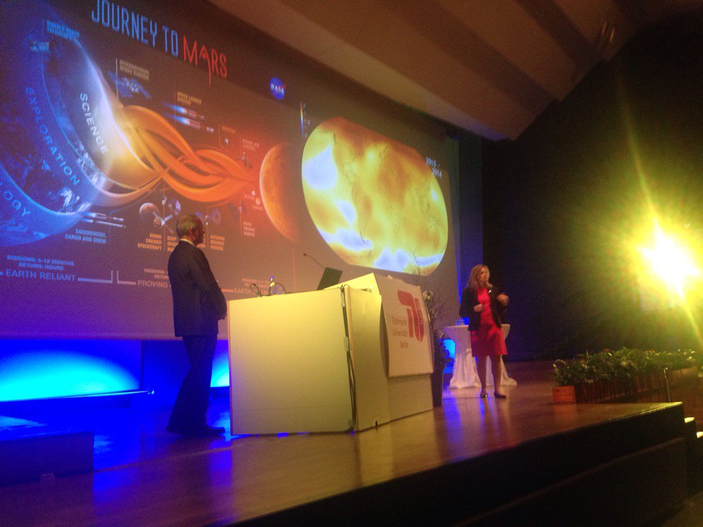 #JourneyToMars #nasa #tuberlin #EllenStofan https://t.co/xClqUZ0G9Z
