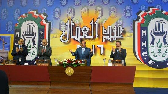 بالفيديو..السيسي يتجاهل قتلى ليبيا وعلاوة العمال وسخط بينهم