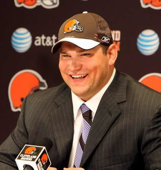"David Howson on Twitter: ""Tbt to 2007 with the 3rd overall pick in the  draft my favorite player #73 Joe Thomas. @Browns #DraftDay… """
