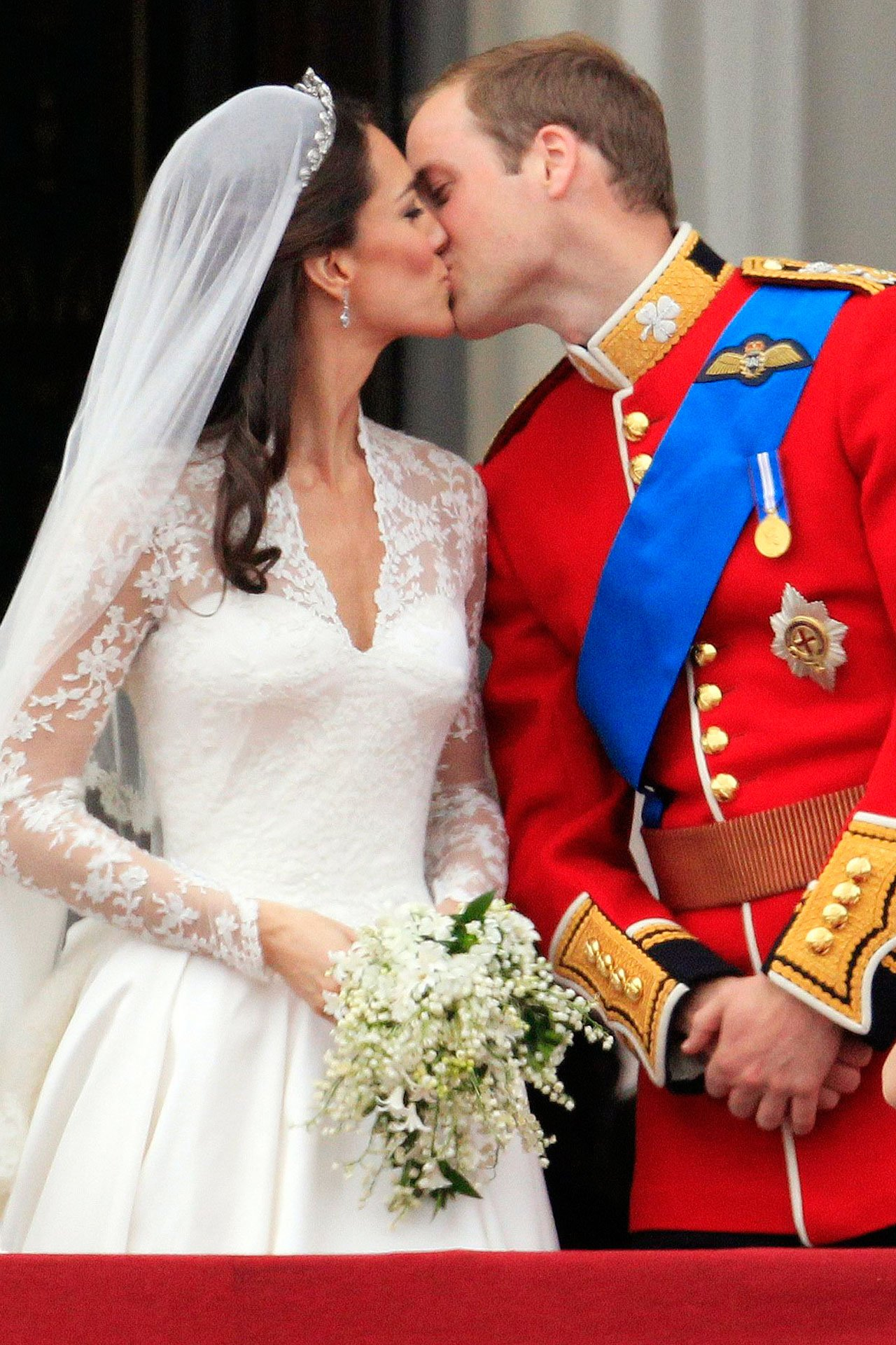 Relive a Royal romance on the fifth  anniversary of the Duke and Duchess of Cambridge https://t.co/vQ7BBx23Dc https://t.co/dG4nu3qYWi