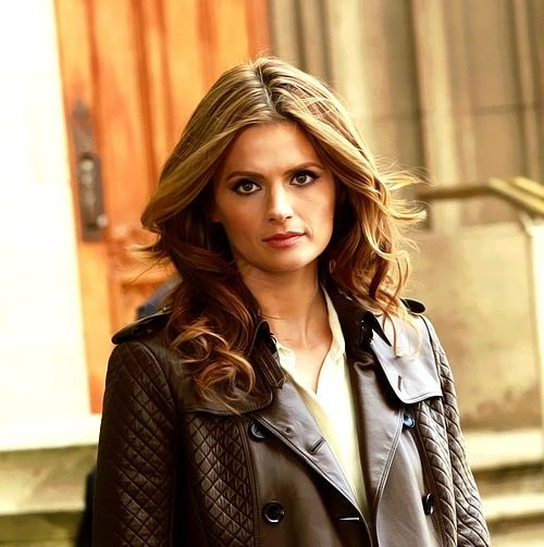 It's #NationalSuperheroDay! Kate Beckett is a kickass super cop. #Castle #NoStanaNoCastle https://t.co/qH13qOBsAX