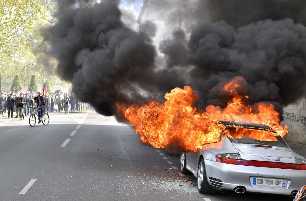 Riforma del Lavoro, violente proteste in Francia