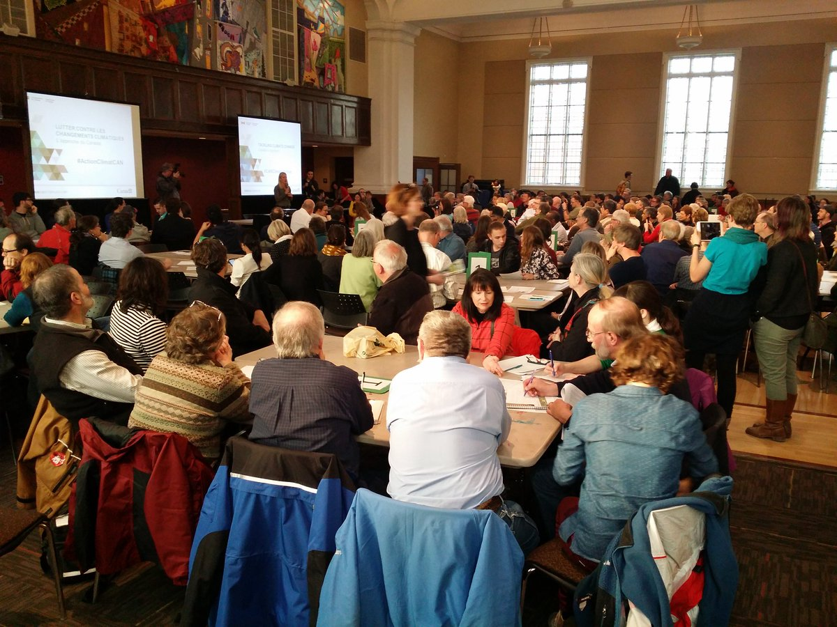 Packed house at #CANClimateAction consultation in Ottawa Centre. @cathmckenna announced other town hall. #tarfree613 https://t.co/tRCVnjXBiH