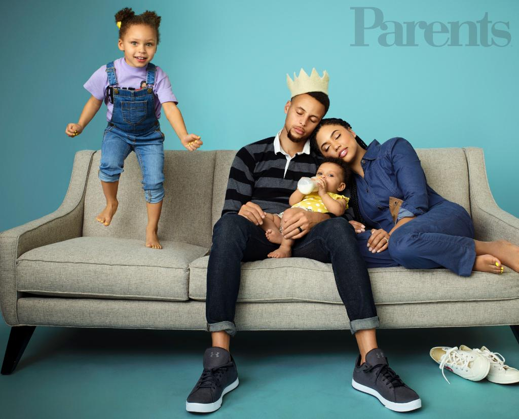 What do you think of our June cover with @StephenCurry30, @ayeshacurry, Riley, and Ryan?