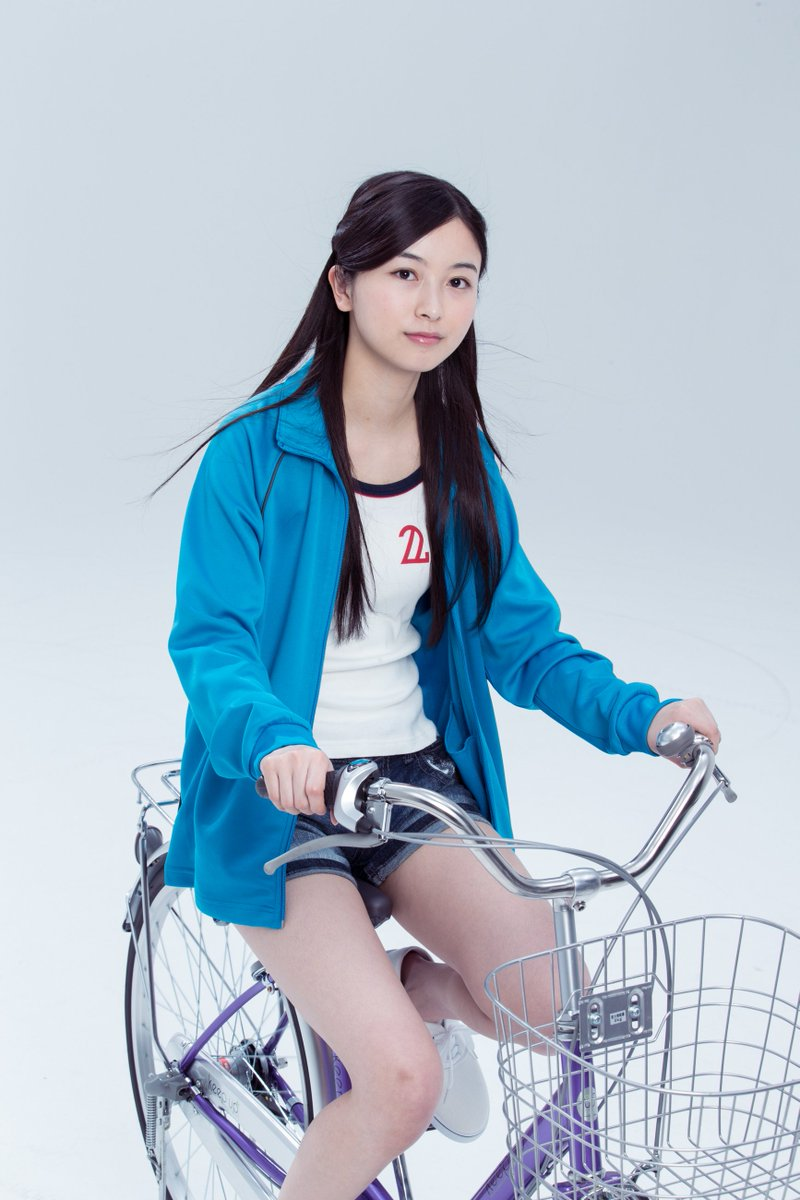 佐々木琴子の自転車画像