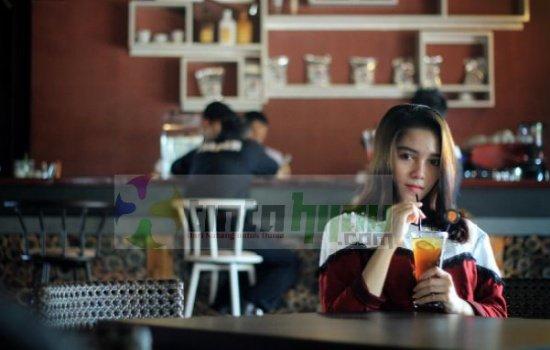 Syifa Bubun, Mahasiswi Univ Subang Merambah Film Layar Lebar