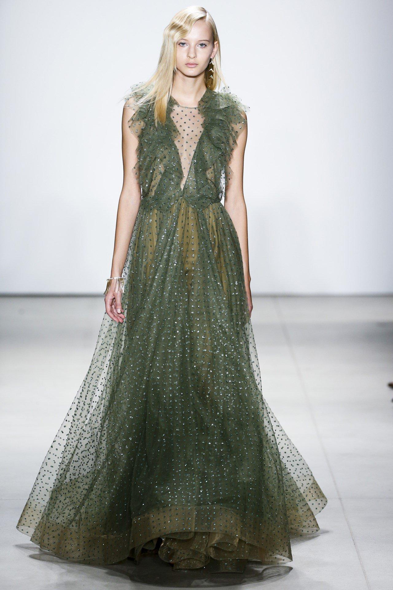 Duchess favourite and bridal queen @JennyPackham joins the fashion debate: https://t.co/KiWzHczAPP https://t.co/5PHK8OSU5M