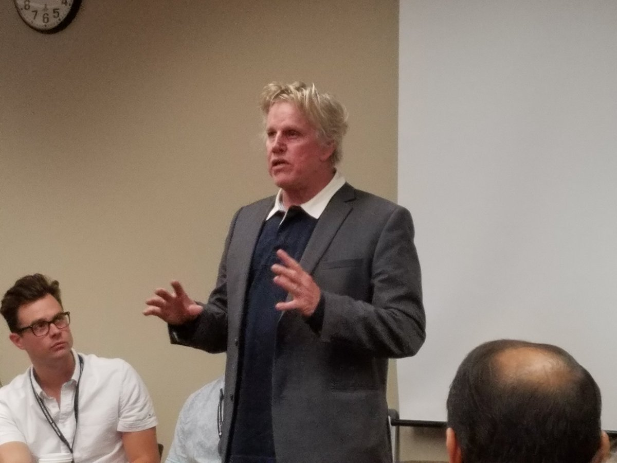 Watching @THEGaryBusey addressing the actors workshop,  it's awesome! #SunscreenFF16 https://t.co/kIsljpH4bL
