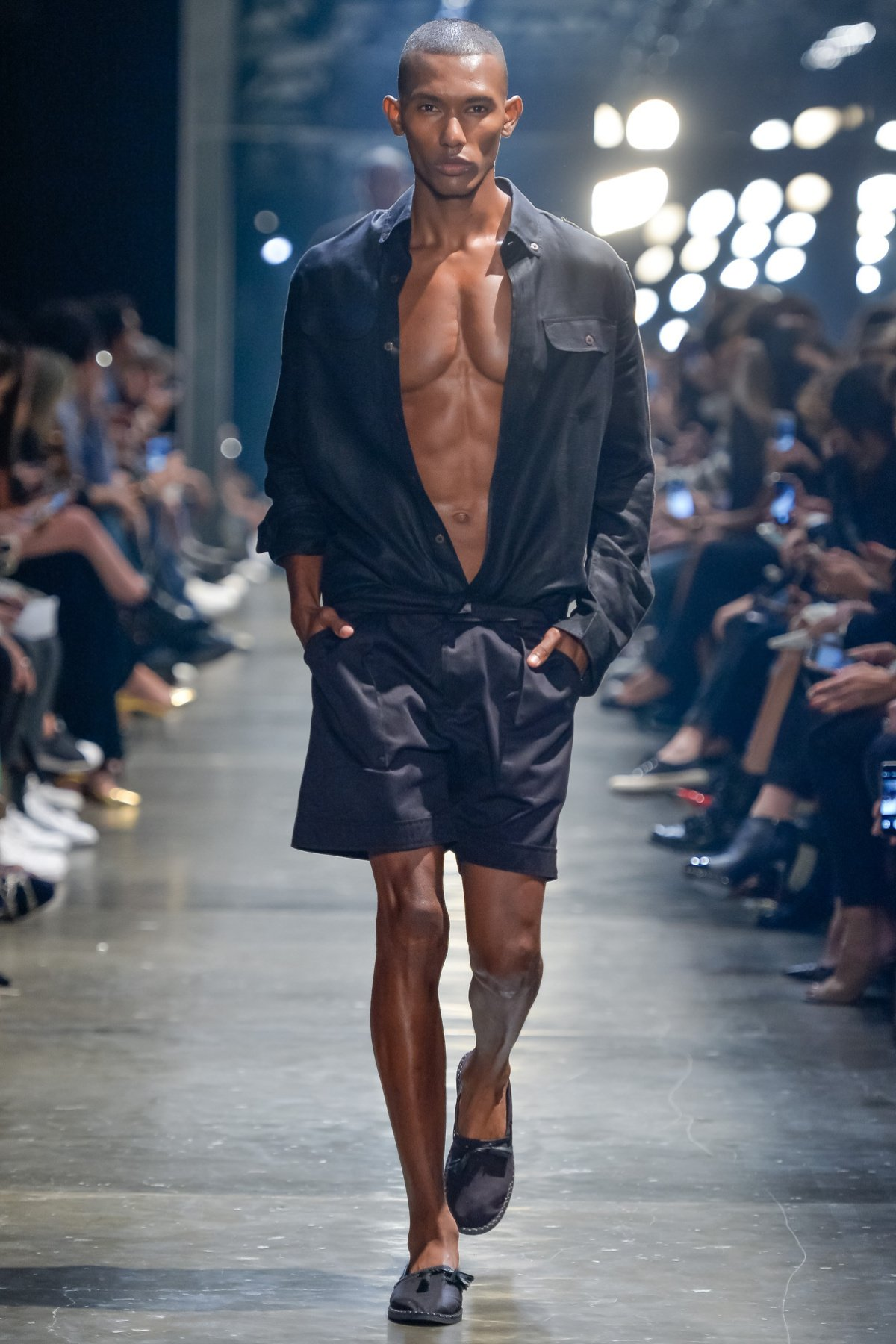 Just in, see BoFW's coverage of Murilo Lomas at Sao Paulo Fashion Week: https://t.co/GLmTfTpPOq #SPFW #BoFW https://t.co/VBKEdEeXe5